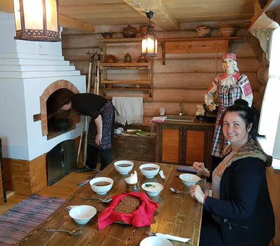 Изба-музей на Территории Дзэн принимает первых гостей